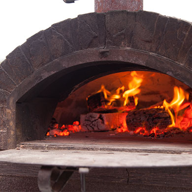Petes-Wood-Fired-Pizza-oven-hire-prices